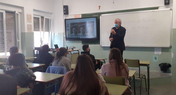 Visita del catedrático Emilio Del Río